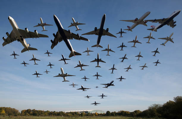Planes Taking Off At Heathrow Airport Over A One Hour Period:ニュース(壁紙.com)