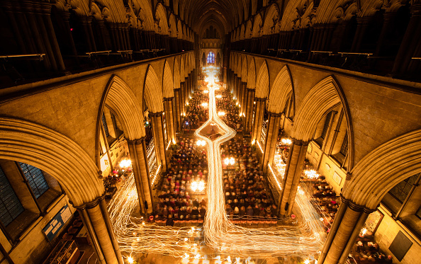 Lighting Equipment「Salisbury Cathedral's Darkness To Light Advent Service」:写真・画像(10)[壁紙.com]