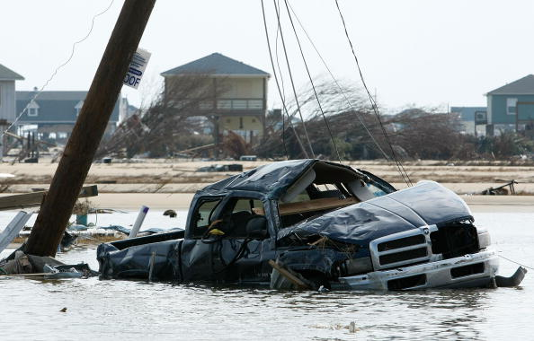 Hurricane Ike「Coastal Texas Faces Heavy Damage After Hurricane Ike」:写真・画像(1)[壁紙.com]