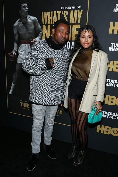 "Fully Unbuttoned「Premiere Of HBO's ""What's My Name: Muhammad Ali"" - Red Carpet」:写真・画像(17)[壁紙.com]"