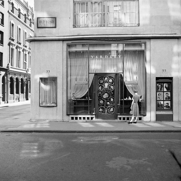 Composition「Shop Front Of Yardley」:写真・画像(8)[壁紙.com]