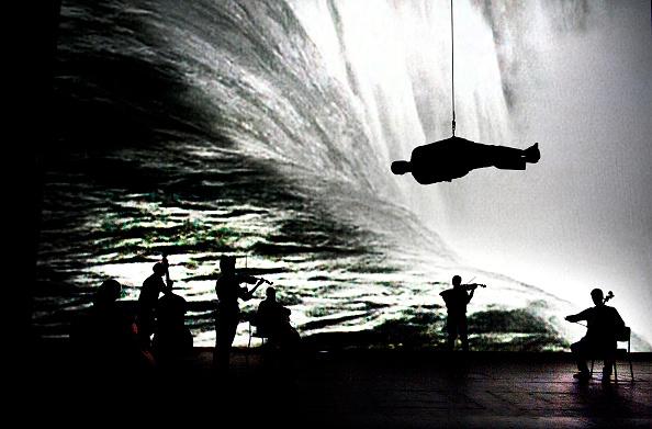 Antony Gormley「Survivor」:写真・画像(8)[壁紙.com]