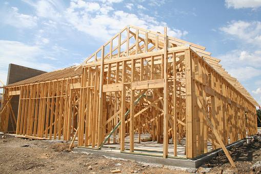 Wooden Post「Building Frame at Construction Site」:スマホ壁紙(1)