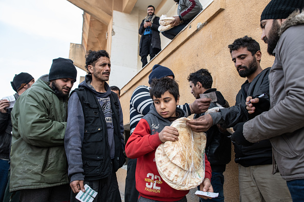 Bread「Syrian Refugee Camps Swell As Idlib Offensive Pushes Toward Turkish Border」:写真・画像(4)[壁紙.com]