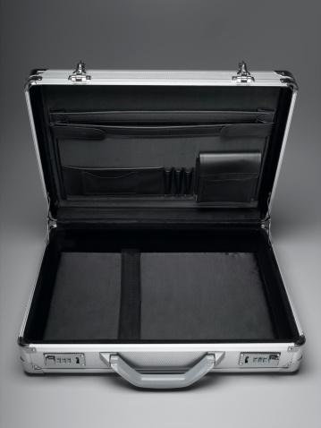 Briefcase「Empty Briefcase」:スマホ壁紙(11)