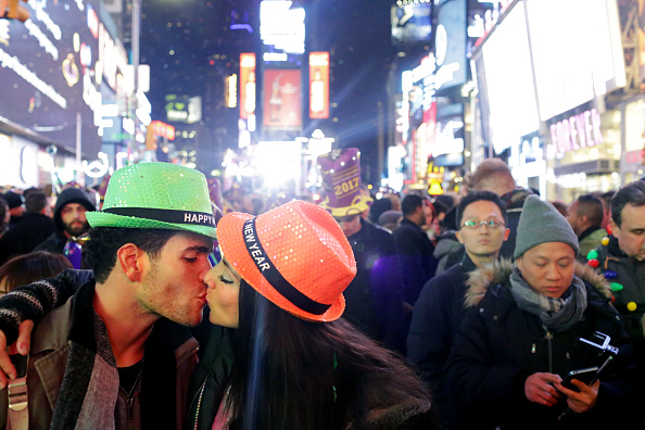 お正月「New Years Eve Celebrated In New York's Times Square」:写真・画像(5)[壁紙.com]