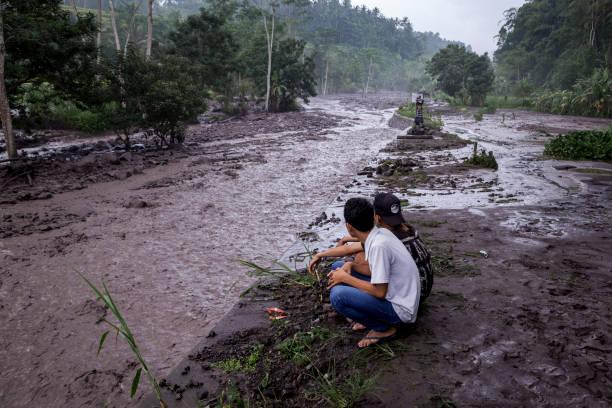 Environment「Indonesians Brace For Major Volcanic Eruption In Bali」:写真・画像(7)[壁紙.com]