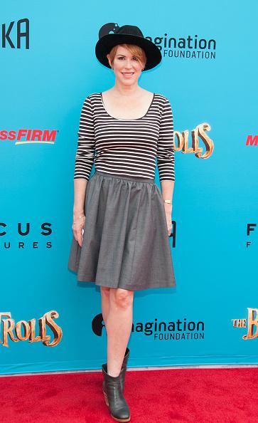 "Scooped Neck「Premiere Of Focus Features' ""The Boxtrolls"" - Arrivals」:写真・画像(13)[壁紙.com]"