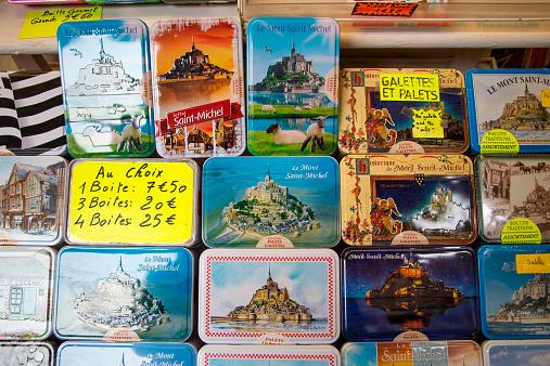 Gift Shop「Galettes boxes with Mont Saint-Michel for sale」:スマホ壁紙(6)