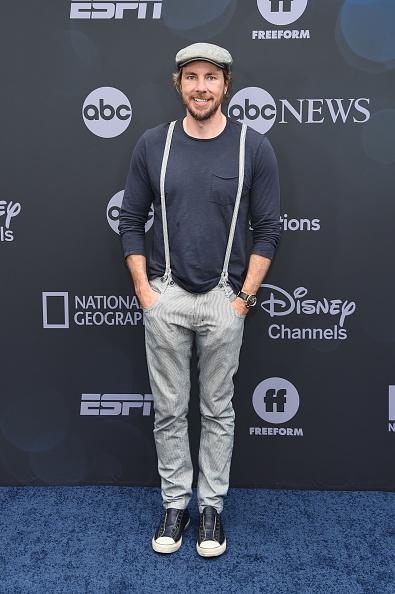 Round Neckline「ABC Walt Disney Television Upfront」:写真・画像(0)[壁紙.com]