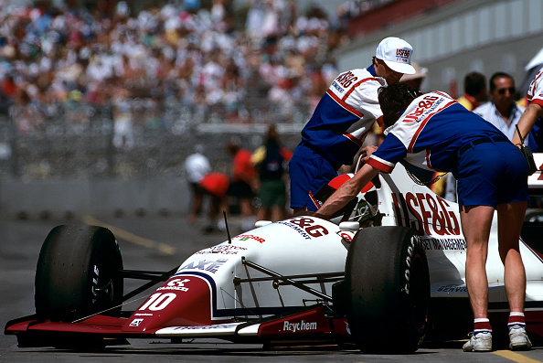 Mechanic「Eddie Cheever, Grand Prix Of The United States」:写真・画像(12)[壁紙.com]
