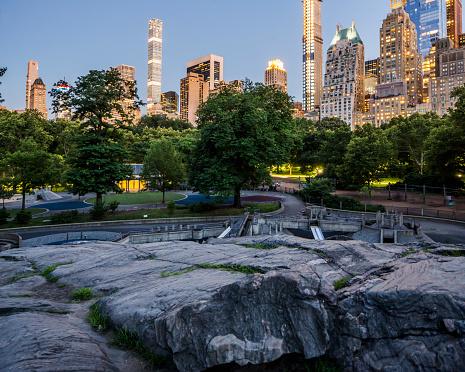 Schist「Manhattan, Midtown Manhattan, Central Park, the Rat Rock, also known as Umpire Rock」:スマホ壁紙(13)