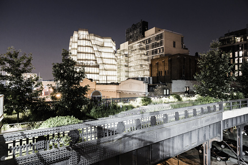 Meatpacking District「Manhattan, Meatpacking District, High Line Elevated Park, the IAC Building (architect Frank Gehry) on the background」:スマホ壁紙(9)