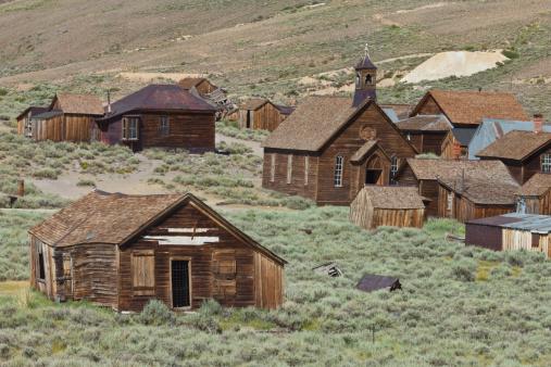Obsolete「Gold mining ghost town of Bodie, California.」:スマホ壁紙(2)