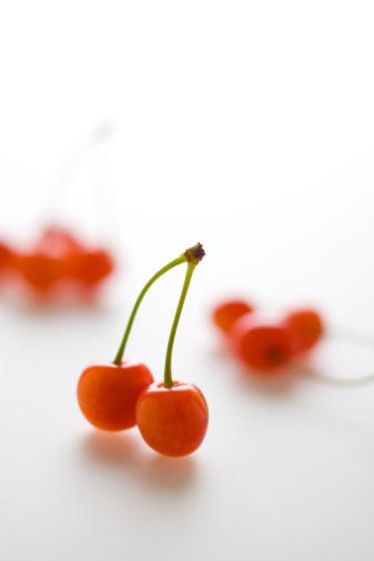 サクランボ「Cherries」:スマホ壁紙(11)