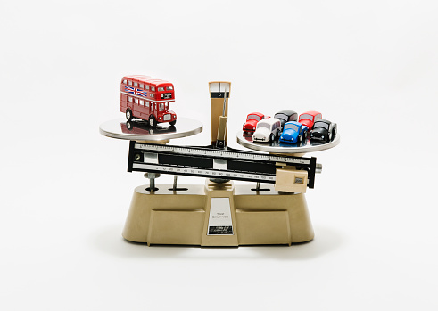 Double-Decker Bus「London bus & cars weighed on industrial scales」:スマホ壁紙(12)