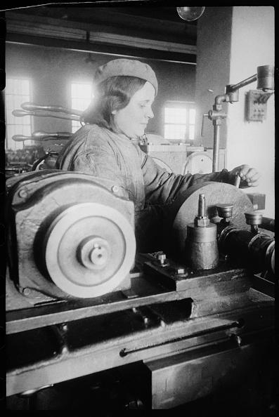 Max Penson「At A Machine Tool」:写真・画像(16)[壁紙.com]