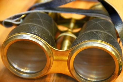 Eyesight「Old binoculars」:スマホ壁紙(19)