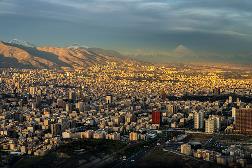Iran「City & Mount Dam?vand from Milad Tower」:スマホ壁紙(15)