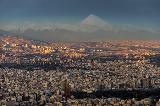 Iran「City & Mount Dam?vand from Milad Tower」:スマホ壁紙(7)