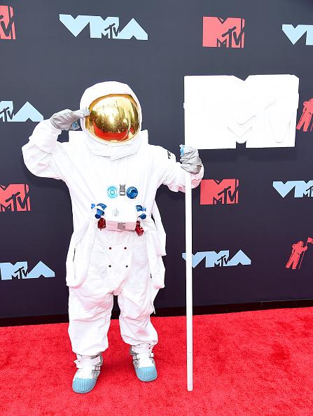 Award「2019 MTV Video Music Awards - Arrivals」:写真・画像(16)[壁紙.com]