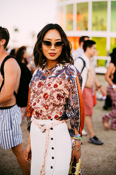 Aimee Song「Street Style At The 2019 Coachella Valley Music And Arts Festival - Weekend 1」:写真・画像(9)[壁紙.com]