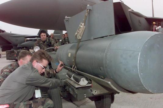 Plant Pod「NATO jets in Operation Allied Force」:写真・画像(16)[壁紙.com]