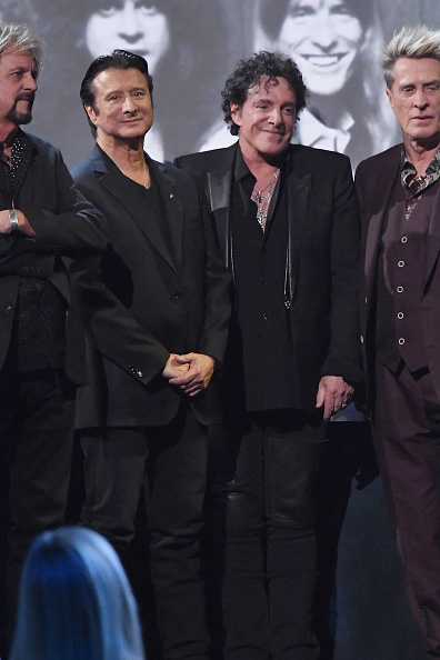 Gregg Rolie「32nd Annual Rock & Roll Hall Of Fame Induction Ceremony - Show」:写真・画像(17)[壁紙.com]