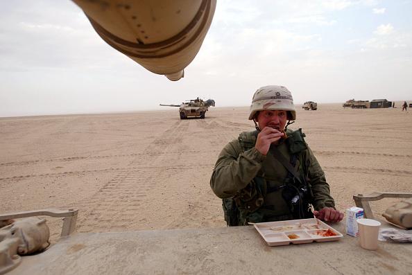 Horizon「U.S. Army Train Near Iraqi Border」:写真・画像(9)[壁紙.com]