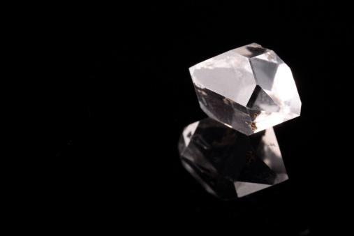 結晶「自然のラフダイアモンドカットアウトデザイン」:スマホ壁紙(6)