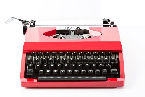 Typewriter「Old red typewriter」:スマホ壁紙(19)