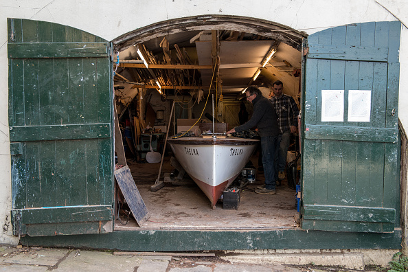 Rowboat「Craftsmen Use Traditional Methods To Build Wooden Rowing Boats」:写真・画像(9)[壁紙.com]