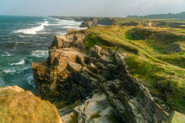 Coastline of Playa de las Catedrales. North Spain, Galicia:スマホ壁紙(壁紙.com)