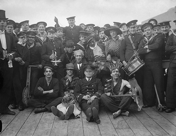 楽器「Party On HMS Duke Of Edinburgh」:写真・画像(13)[壁紙.com]