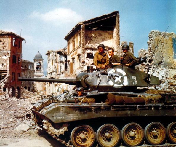 カラー画像「US Tank In Italy」:写真・画像(11)[壁紙.com]