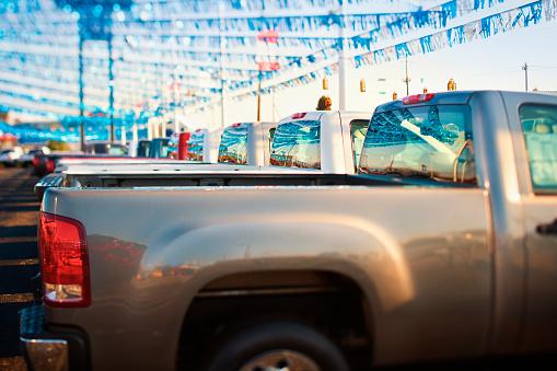 Car Dealership「New Pickup Trucks on Dealer Lot」:スマホ壁紙(9)