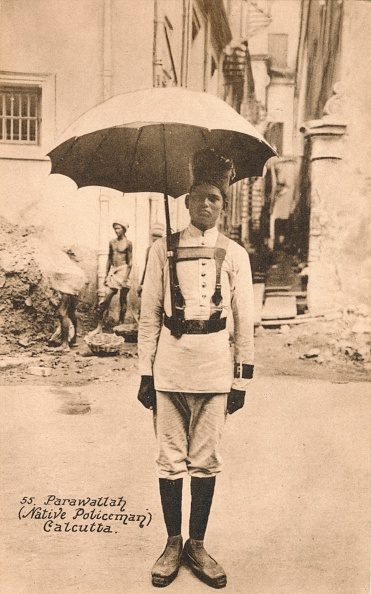 Umbrella「Parawallah (Native Policeman) Calcutta', c1900」:写真・画像(5)[壁紙.com]