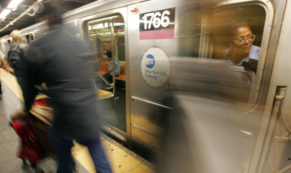 Security「New Yorkers Continue To Ride Subway Despite Terror Threat」:写真・画像(11)[壁紙.com]