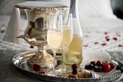 バレンタインデー「お休みの前の XXXL シャンパン」:スマホ壁紙(5)