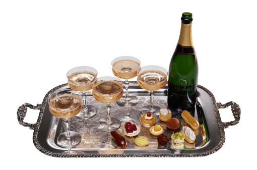 静物「Champagne Bottle with Tray and Glasses」:スマホ壁紙(16)
