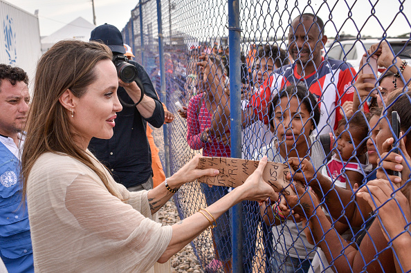 Visit「Angelina Jolie Visits Refugee Camp in the Colombia-Venezuela Border」:写真・画像(0)[壁紙.com]