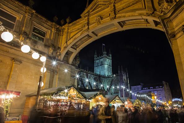 Bath - England「Shoppers Visit Bath Christmas Market」:写真・画像(5)[壁紙.com]