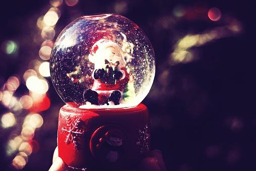 スノードーム「Christmas snow globe」:スマホ壁紙(8)