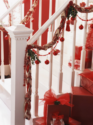 Floral Garland「Christmas staircase」:スマホ壁紙(4)