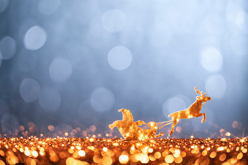 reindeer「Christmas Santa Sleigh and Reindeer - Backgrounds Defocused」:スマホ壁紙(8)