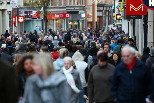 City Street「High Streets Prepare For Last Minute Surge Of Christmas Shoppers」:写真・画像(1)[壁紙.com]