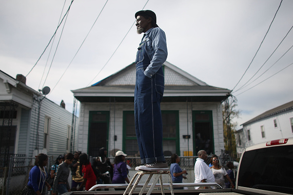 Tradition「Second-Line Parade Winds Through New Orleans」:写真・画像(8)[壁紙.com]
