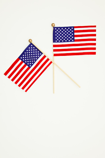 Fourth of July「Two small American flags」:スマホ壁紙(16)