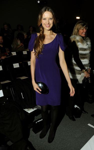 Mini Dress「Zang Toi - Front Row - Fall 2012 Mercedes-Benz Fashion Week」:写真・画像(1)[壁紙.com]