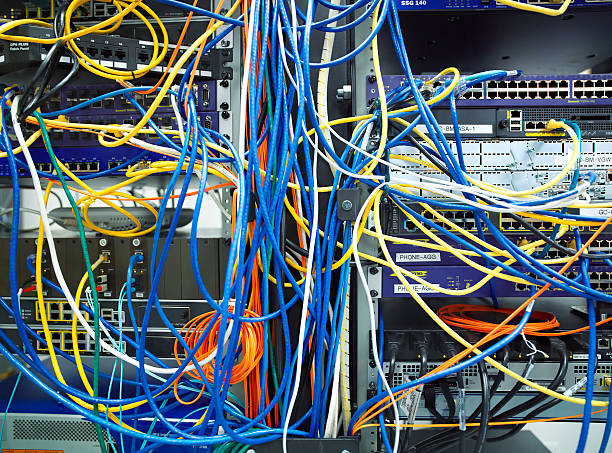 A tangled mess of network cables:スマホ壁紙(壁紙.com)